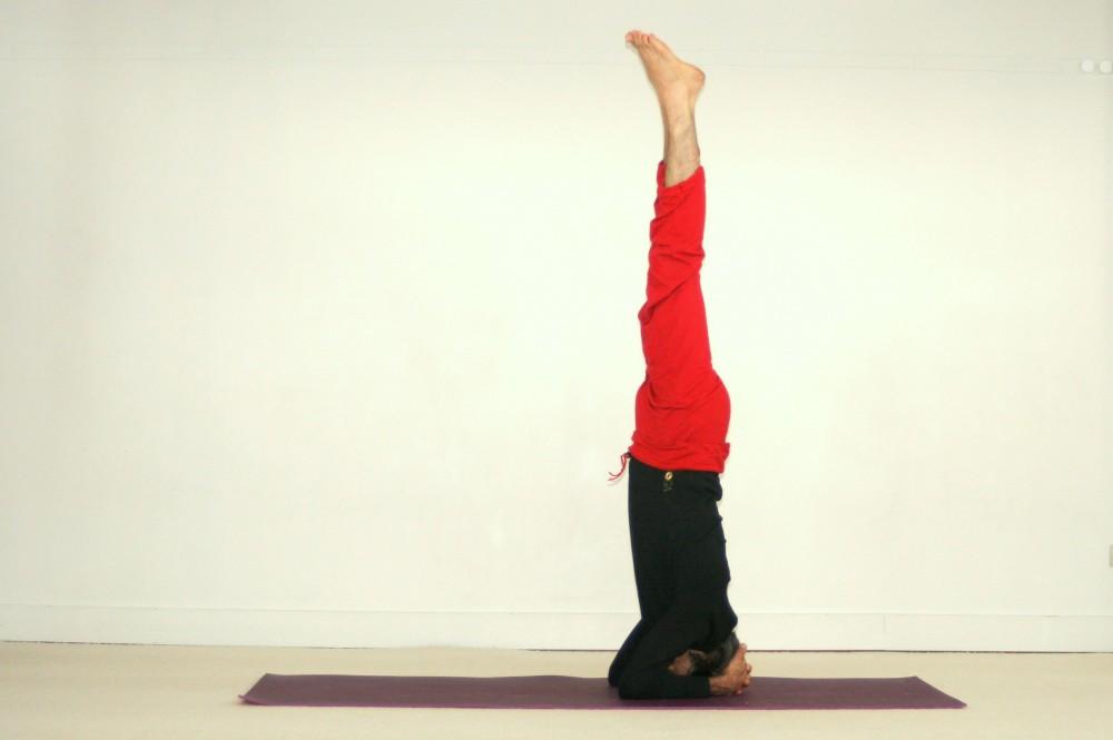 posture de yoga inversée