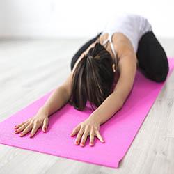 posture de yoga pour le dos