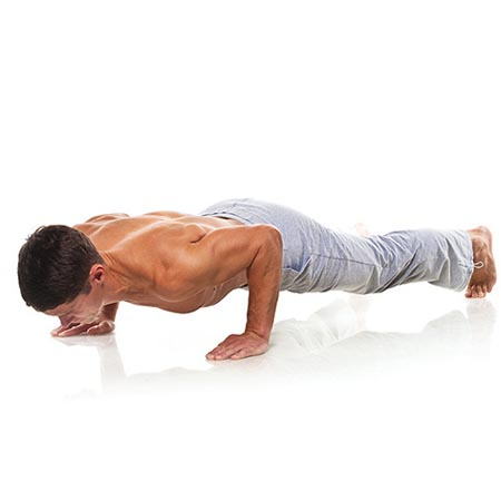 Posture de yoga homme renforcement corporel