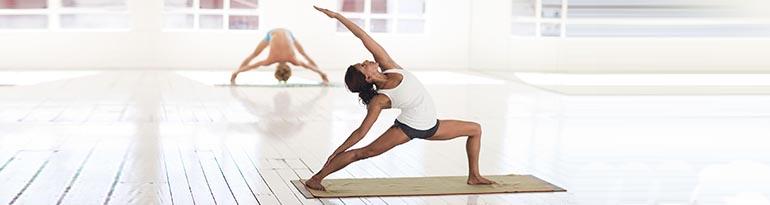 Postures de yoga pour la souplesse