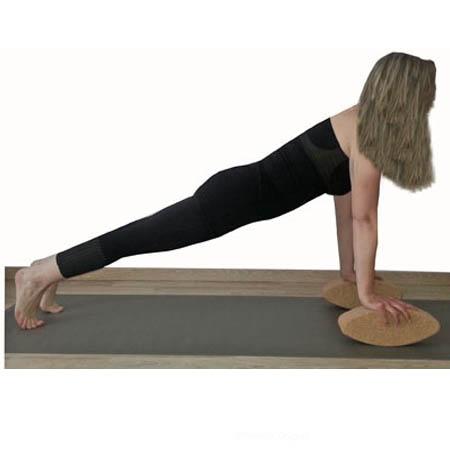 Posture yoga la planche avec la brique de yoga ovale egg