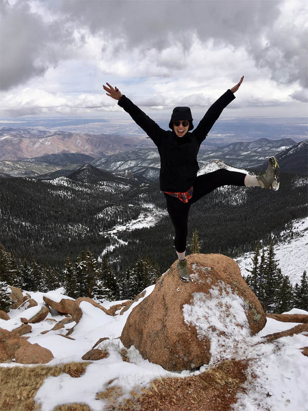 Snowga, snow yoga