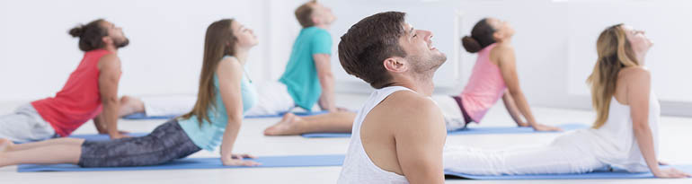 Débuter le yoga avec un prof de yoga
