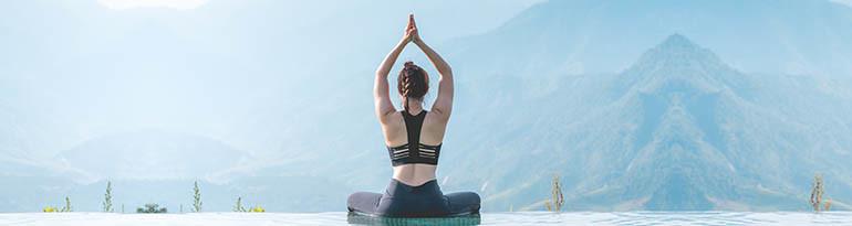 Postures de yoga exercices positions asanas spécial yogi
