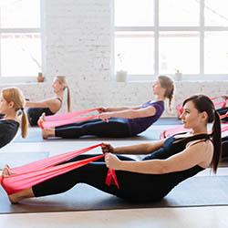 Exercices Body Fitness avec bandes de musculation